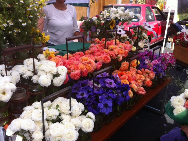 Great minds think alike and appreciate the same gorgeous flowers silverlake mightylinksfo Choice Image